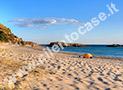 La spiaggia di Ascea Marina nei pressi della scogliera