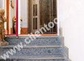 L'ingresso al primo piano dell'appartamento Elea