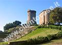 Veduta della torre di Velia con i resti dell'anfiteatro più in basso