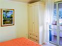 Una delle due camere matrimoniali dell'appartamento Aurora