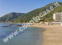 La spiaggia e il mare di Acciaroli a 20 metri dalle case per vacanze di Rosa dei Venti