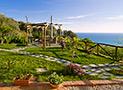 Il giardino panoramico con vista mare