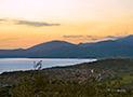 Il mare di Ascea e la torre di Velia al tramonto