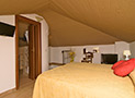 La camera matrimoniale con bagno privato, tv, frigo bar