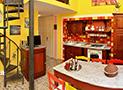 L'ingresso e la cucina con sala da pranzo dell'appartamento di 70 mq