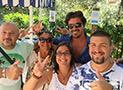 Gli ospiti con lo staff del Residence Blue Marlin Vacanze a Marina di Camerota