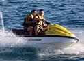 Ragazzi in acqua-scooter a Marina di Camerota