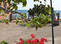 Veduta del parcheggio e del mare di Acciaroli a 50 metri