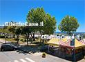 La strada del porto di Casal Velino Marina con bar, rosticceria, ristorante