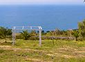 Panoramica del giardino con sullo sfondo il mare di Acciaroli