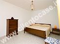 La camera da letto matrimoniale dell'appartamento Asia