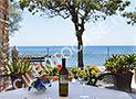 Il ristorante La Caupona a Pioppi con vista mare