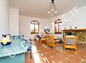 L'ampio salone dell'appartamento Zenone al primo piano