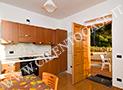 La cucina attrezzata dell'appartamento Parmenides