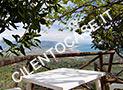 Il terrazzino con tavolo e sedie e splendida vista panoramica