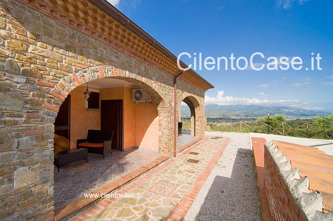 Case In Pietra Antiche : Le capanne in pietra a secco con cupola in aggetto d italia